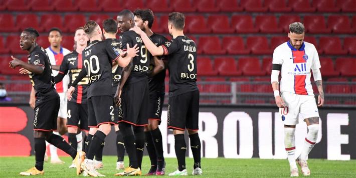 Peperdure misstap PSG brengt Lille op rand van titel