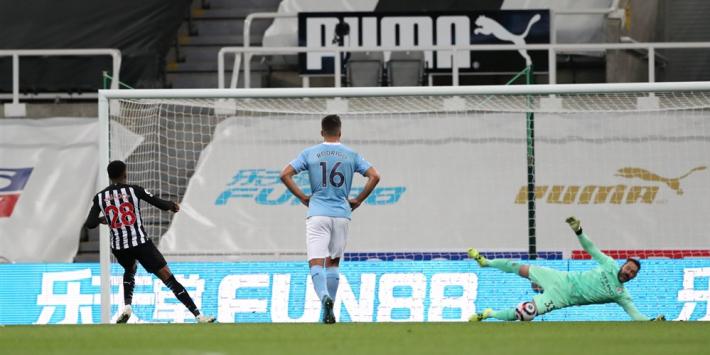 Bijzondere avond voor goalie Carson en Torres én record voor City