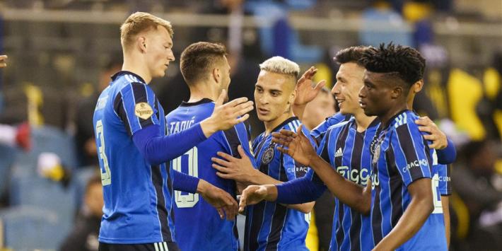Ajax vrij simpel langs Vitesse in belangeloos duel