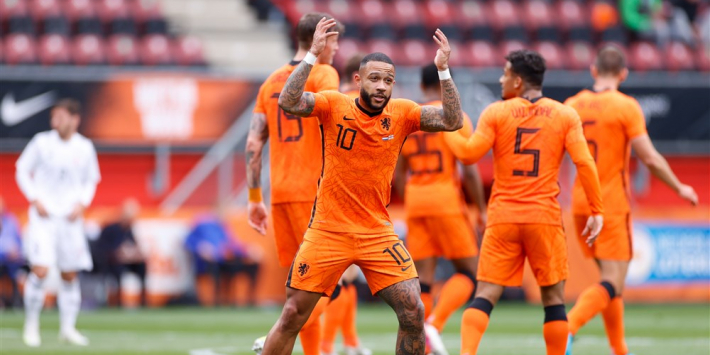 """Memphis geniet van scorende Weghorst: """"Ik ben blij voor hem"""""""