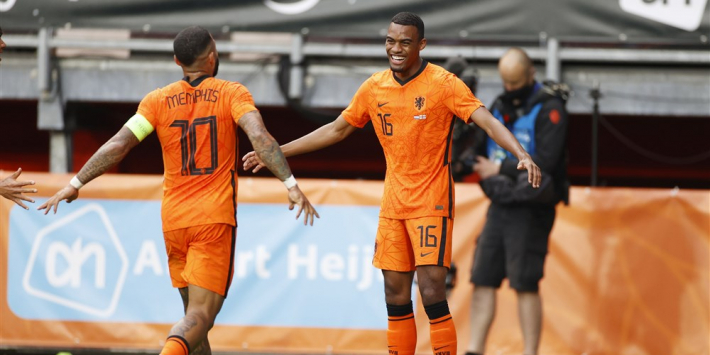 """Janssen wil Gravenberch in basis: """"Vergelijk hem met Pogba"""""""