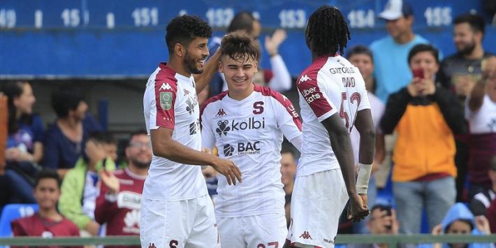 Man City-talent treedt bij FC Twente in voetsporen Bryan Ruiz