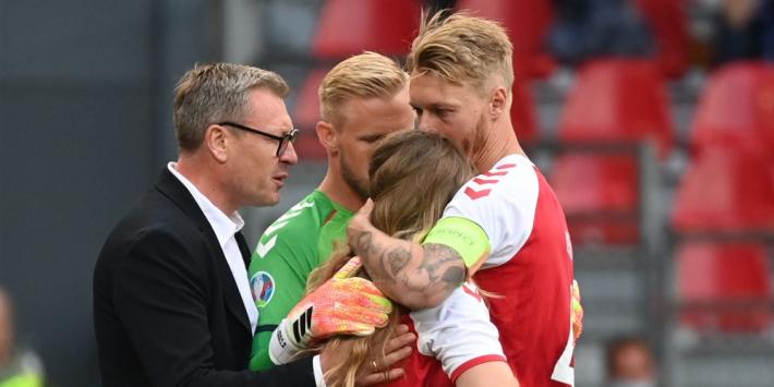 Kjaer ontvangt prijs van UEFA na hulp aan ploeggenoot Eriksen