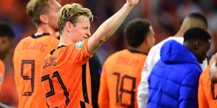 """Frenkie de Jong opgelucht: """"Na de 2-2 denk je: het zal toch niet?"""""""