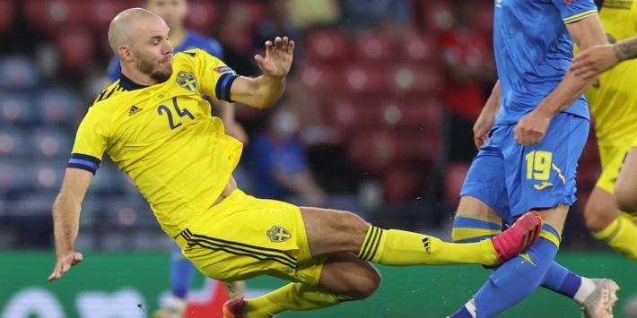 """Van der Vaart over keiharde tackle: """"Dit is geen rood"""""""