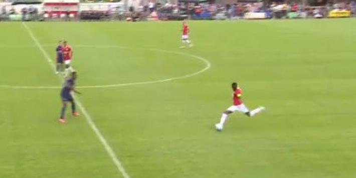 Video: Martins Indi maakt bijna mooiste goal uit carrière