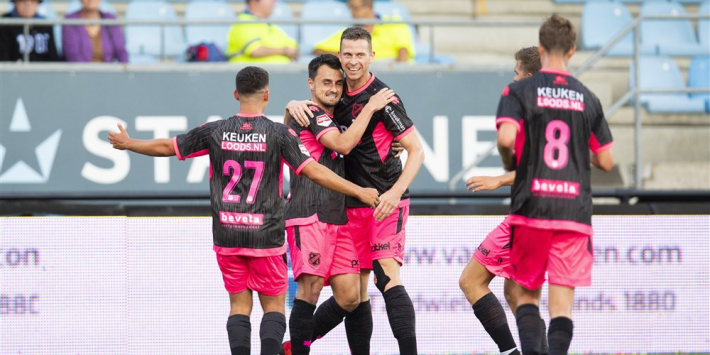 FC Emmen en Volendam stellen teleur, remise Van Nistelrooy