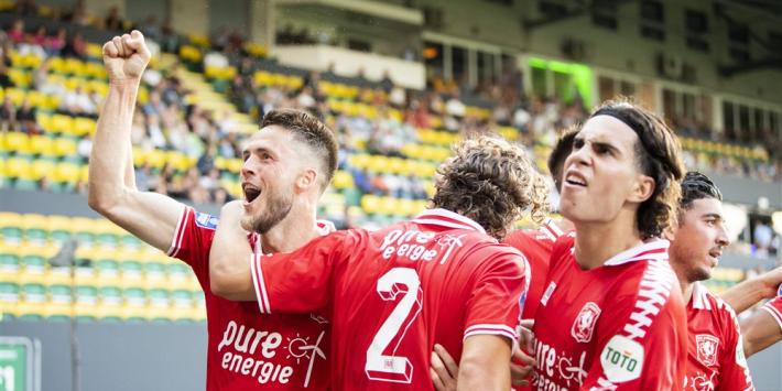 Van Wolfswinkel vraagteken tegen Ajax; transfer Van Bergen