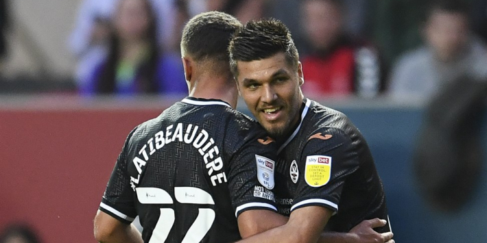 Hoofdrol oud-PSV'er in krankzinnig duel met bizarre gele kaart
