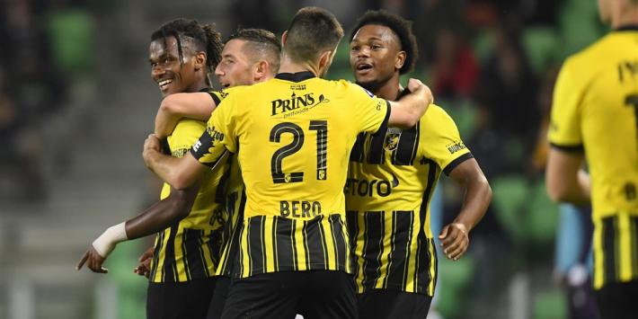 Vitesse zegeviert bij FC Groningen in krankzinnig duel