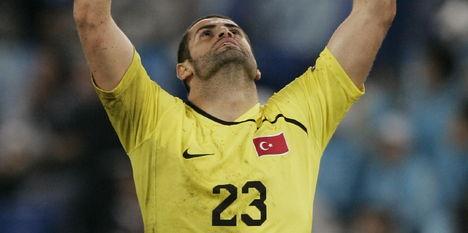 Turkse keeper verlaat stadion na fluitconcert