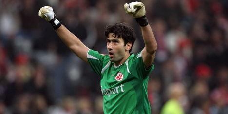 Nikolov (35) twee jaar langer bij Eintracht