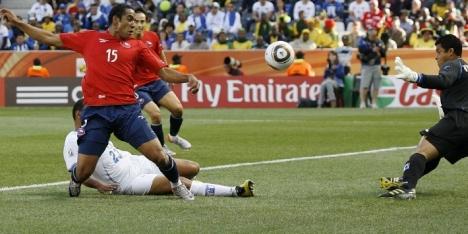 Chileen Beausejour ook niet tegen Arsenal