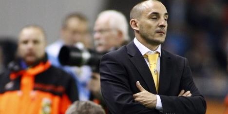 Vitesse gaat positie trainer Ferrer evalueren