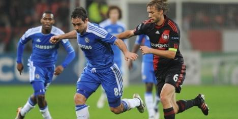 Aanvoerder Rolfes twee jaar extra bij Leverkusen