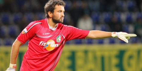 Fortuna-doelman Kaya blijft positief ondanks uitblijven salaris