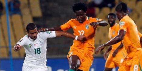 Bony trefzeker voor winnend Ivoorkust