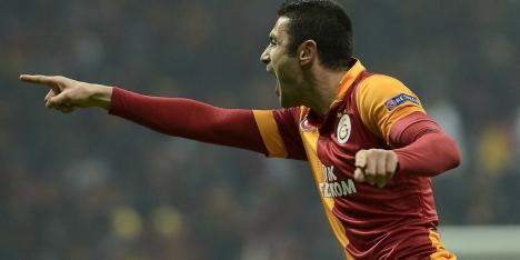 Yilmaz leidt Galatasaray voorbij Akhisar Belediyespor