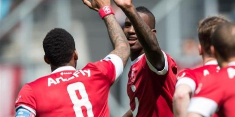 Hannover 96 bevestigt interesse in Douglas
