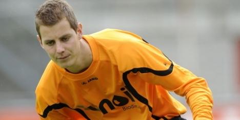 FC Emmen verlengt met keeper Woering