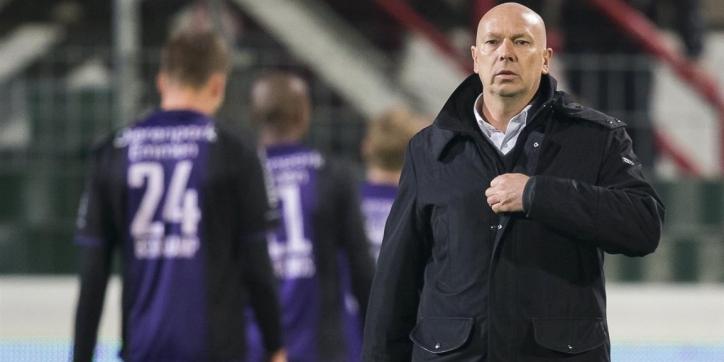 """Emmen wil duidelijkheid van Bergkamp: """"Lang gewacht"""""""