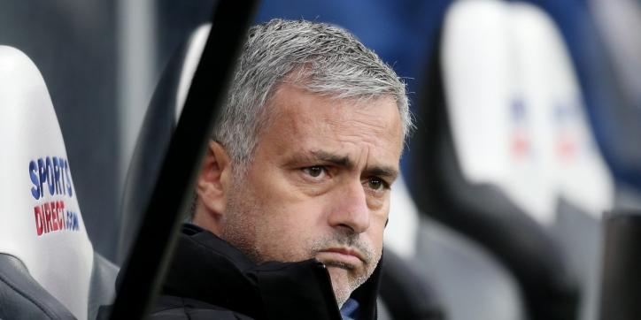 Mourinho boos op scheidsrechter na rode kaart