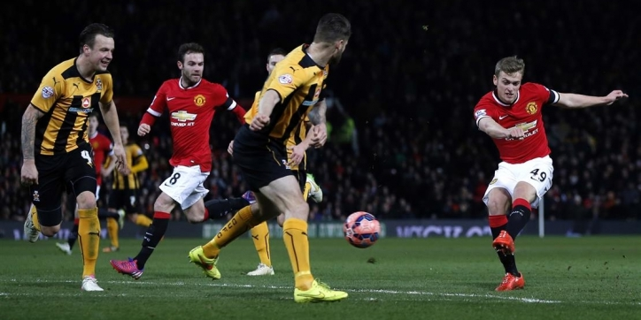 Manchester United in replay alsnog langs Cambridge