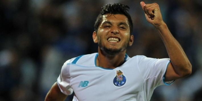 Corona gidst FC Porto naar zege in seizoensopener