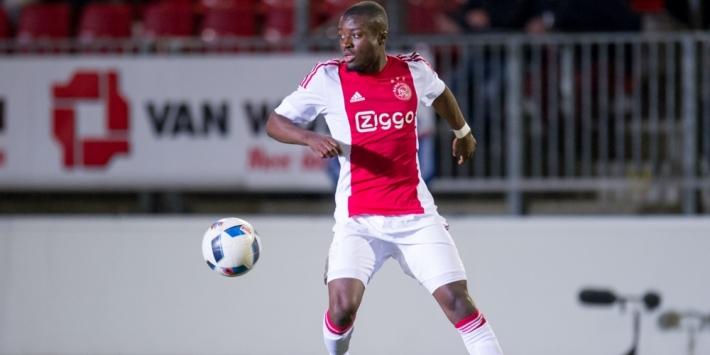 Ajax laat verdediger Owusu naar De Graafschap verkassen