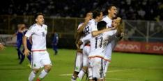 Bijten komt twee spelers El Salvador duur te staan