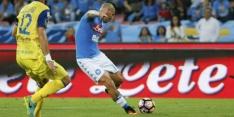 Napoli blijft in spoor van Juventus met winst op Chievo