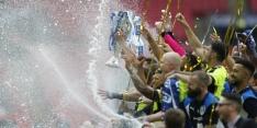 Fotoserie: Van la Parra viert promotie met Huddersfield