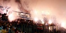 Hertha BSC wint door brand ontsierde bekerwedstrijd