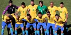 Boliviaan poseert prompt op teamfoto van Brazilië