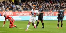 Memphis wervelt en maakt een hattrick voor Lyon