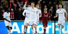 Liverpool verliest van Swansea bij competitiedebuut Van Dijk