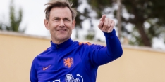 """Hoek heeft ook zorgen over Oranje-keepers: """"Krul moet mee"""""""