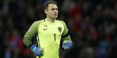 'Zoet in beeld bij Napoli; PSV wil doelman niet laten gaan'
