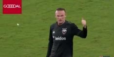 Geweldig: Rooney voorkomt counter en levert meteen assist af