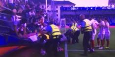 Meerdere gewonden door instorten hek bij Eibar - Sevilla