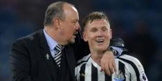 Video: Newcastle-speler Ritchie gaat de wereld over met misser