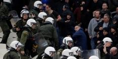 UEFA stelt officieel onderzoek in naar rellen AEK - Ajax