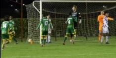 Video: ADO-keeper treedt met goal in voetsporen Hansen