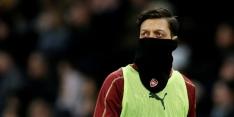 """Emery: """"Özil moet constant zijn, zonder blessures of ziektes"""""""