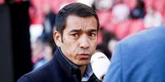 Van Bronckhorst vast in China, Ajax-trainers kunnen niet terug