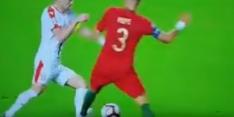 Video: Pepe pleegt schandalige aanslag op enkel van Tadic