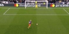 Video: Kuipers wijst naar stip, Lloris stopt strafschop Agüero