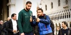 Italiaanse ploeg steunt door overstromingen geteisterd Venetië