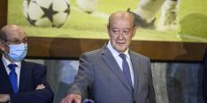 82-jarige voorzitter FC Porto blijft na 38 jaar aan het roer staan