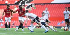 Martial dirigeert United naar winst met bijzondere hattrick
